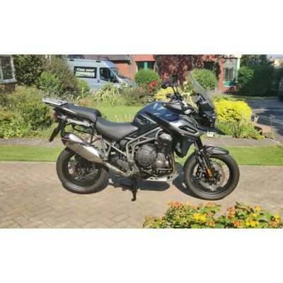 2018 TRIUMPH TIGER 1200 XCA WITH TRIUMPH PANNIERS AND TOP BOX