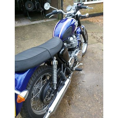 triumph t100 2006 Bonneville  790 cc just over 2000 miles from new stunning